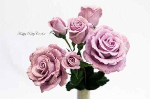 Modèle de crochet de fleur réaliste rose