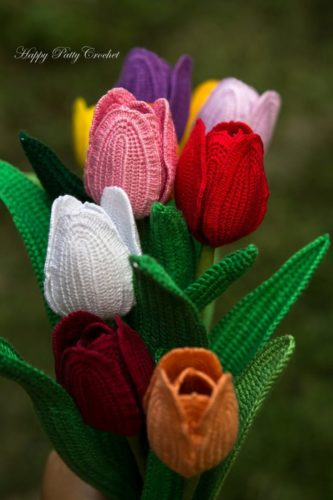 exemple de motif de crochet fleur réaliste tulipe classique