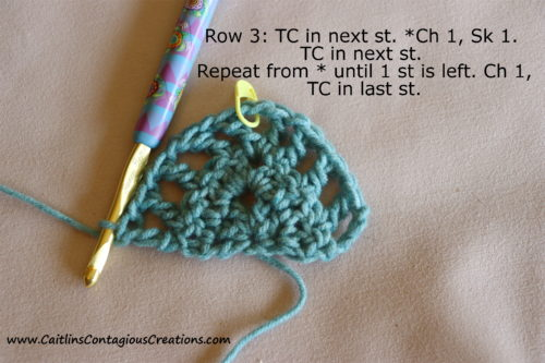 Modèle de crochet de châle triangulaire pour débutant après la rangée 3.